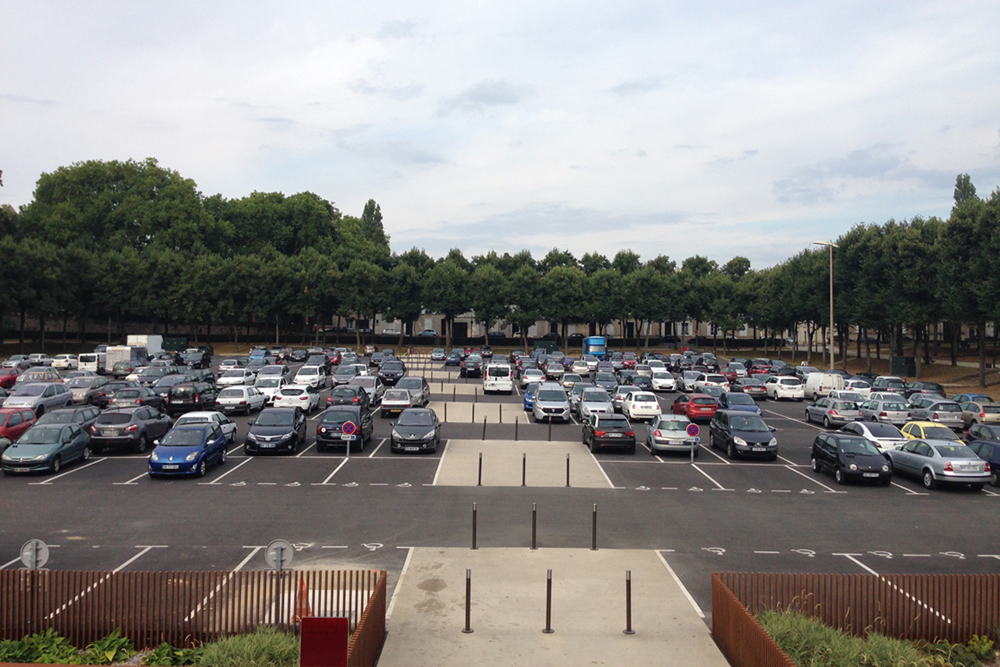 parking des Quinconces P1